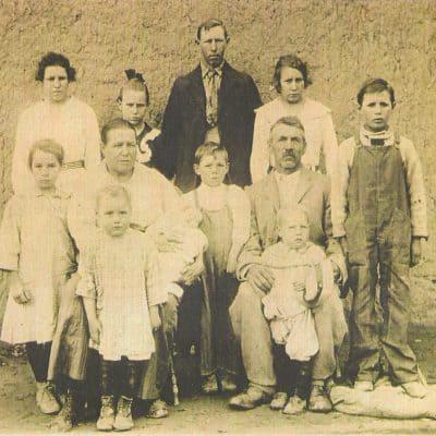 The Sichler Family in 1918 — Tinnie, Jennie, Ernest, Mollie, and Freeda